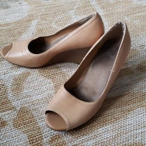 Size 10 Aerosoles peep toe wedge